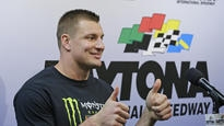 Monster party ensues with Gronk at Daytona 500