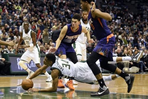 Bucks vs. Suns Final Score: Bucks Outlast Suns in Ugly Matinee, 100-96
