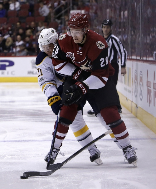 Arizona Coyotes rally past Buffalo Sabres with 3-goal third period