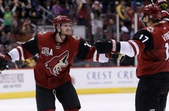 Vrbata caps Coyotes' 3-goal third with late game winner