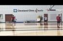 Kyle Korver tests 'sore' knee at Cavaliers morning shootaround (video)