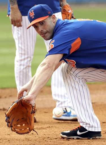 Mets' Wright has shoulder injury, won't throw for 2 weeks The Associated Press