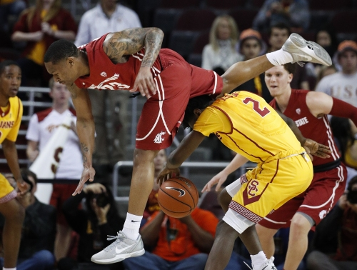 USC ends 4-game skid with drubbing of Cougars men