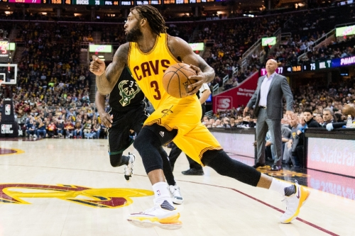 Cavaliers add forward Williams for stretch run