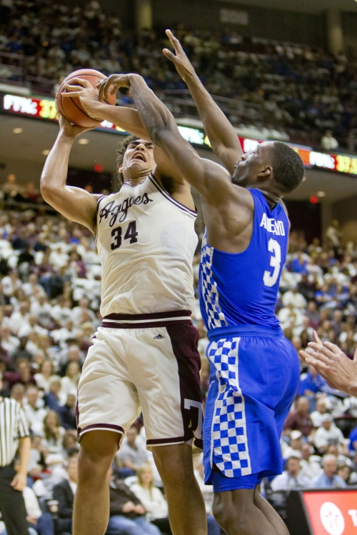 Aggies' fast start fizzles out in loss to No. 9 Kentucky