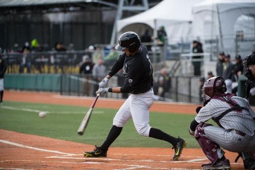 Baseball Recap: Ducks' Bats Come Alive, Bury Aggies 7-2