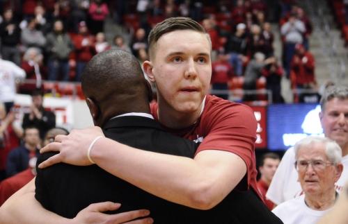 Hawkinson and Flynn earn PAC-12 honors
