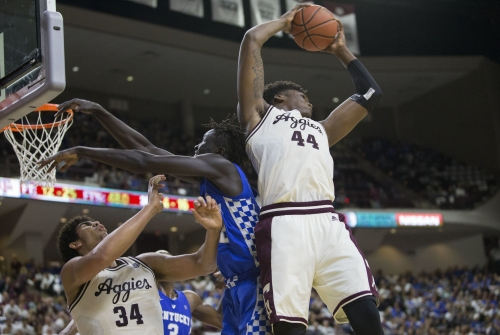 Williams named SEC Defensive Player of the Year by league coaches