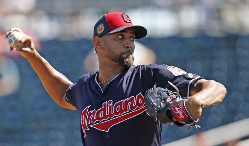 Cleveland Indians prospect Mark Mathias dislocates left shoulder
