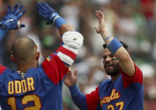 Royals' Perez injured during Venezuela's WBC win The Associated Press