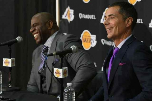 Lakers' Rob Pelinka praises Luke Walton's 'coolness'