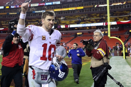 Why it doesn't make sense for the Giants to restructure Eli Manning's contract