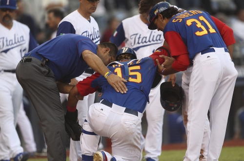 Royals catcher Salvador Perez set for test on knee injured in World Baseball Classic