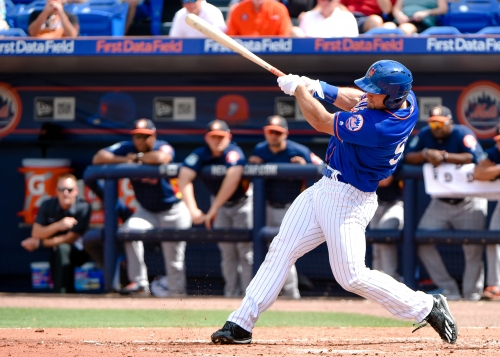 Tim Tebow gets first spring training base hit