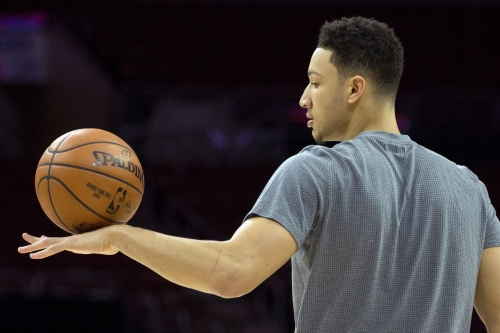 Sixers News: Ben Simmons is dunking and juggling basketballs with his feet