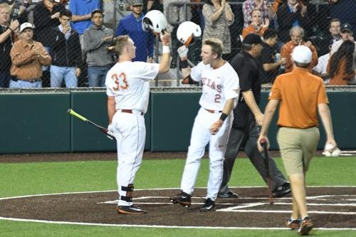 Texas baseball downs No.17 Texas A&M 4-3, pushing win streak to six