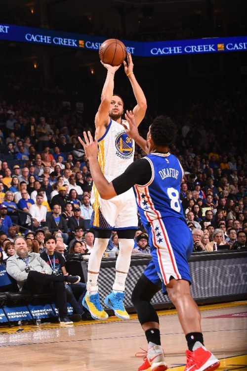 Warriors hold off Sixers 106-104 to snap three-game skid The Associated Press