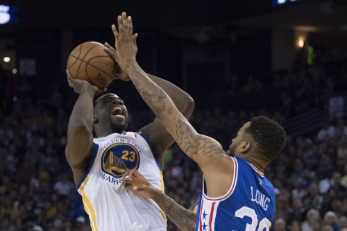 Draymond Green and the Warriors beat 76ers in a thriller, 106-104