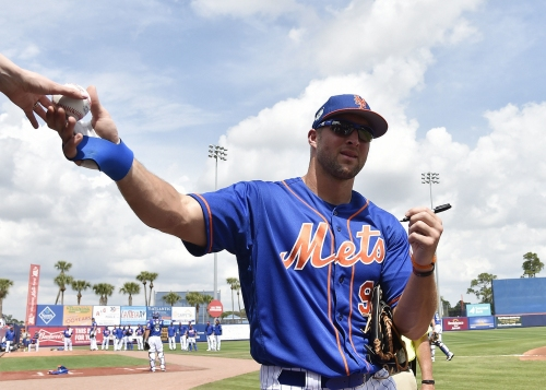 Tim Tebow plays right field, bats 7th | Mets lineup vs. Marlins