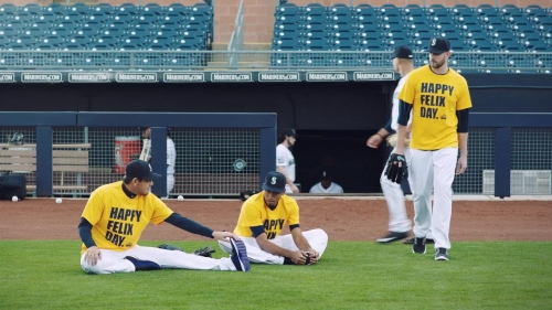 Mariners and A's roast each other in Twitter battle