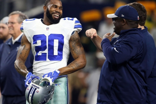 Darren McFadden sticking with Cowboys on a new 1-year deal