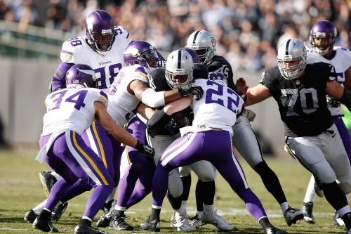 Latavius Murray's 3-year deal with Vikings reads more like 1-year tryout