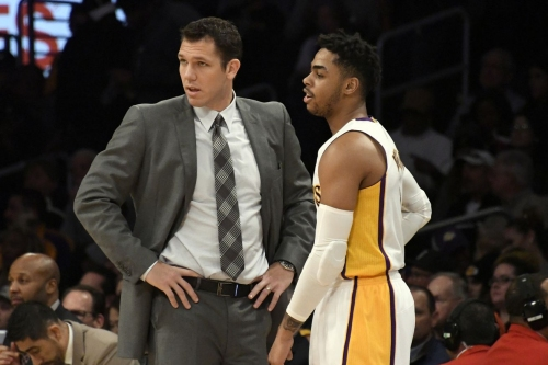 Luke Walton explained why he benched D'Angelo Russell