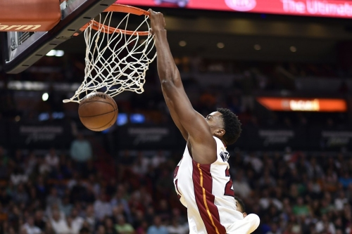 After Waiters injury, Heat blow past T-Wolves