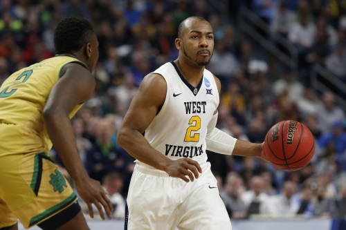 West Virginia advances to Sweet 16 with win over Notre Dame, 83-71