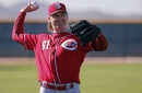 Bronson Arroyo leaves game after being struck in face with throw