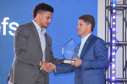 Terez Paylor's mock draft gives Chiefs a quarterback