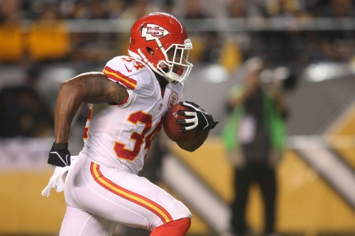Steelers host free agent RB Knile Davis and CB Coty Sensabaugh