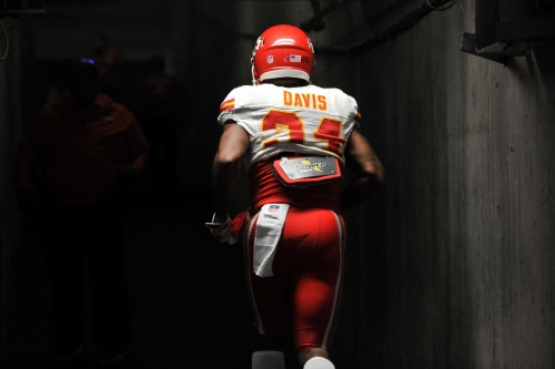 Former Chief Knile Davis visiting the Steelers