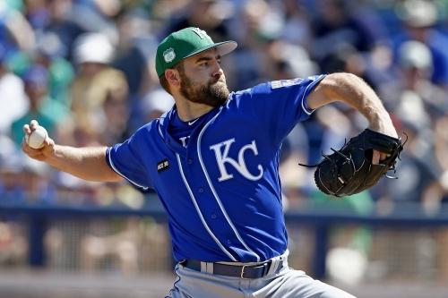 Righty Nathan Karns wins final slot in Royals' rotation