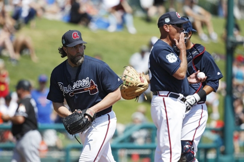 Atlanta Braves News and Links: Dickey hit hard again