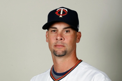 Twins release Ryan Vogelsong