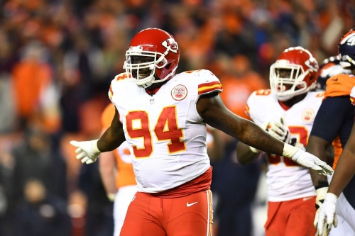 Chiefs bring back one of their own free agents, Jarvis Jenkins