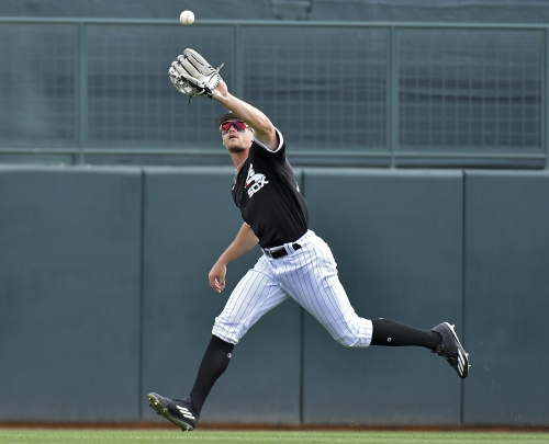 Gonzalez roughed up early in White Sox' loss to A's