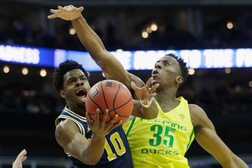 Michigan's run comes to an end, losing to Oregon in the Sweet 16
