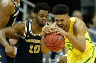 Oregon beats Michigan after incredible back-and-forth finish, reaches Elite Eight