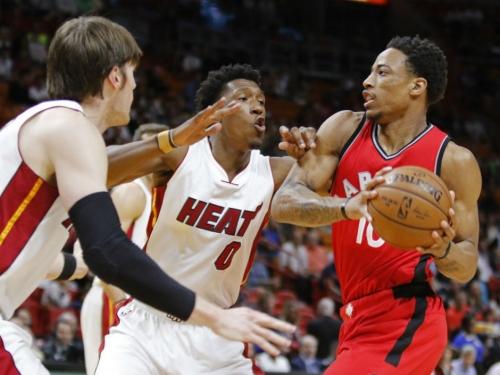 DeMar DeRozan scores 40 points as Toronto Raptors exact revenge on Miami 101-84 Heat to win fourth straight game