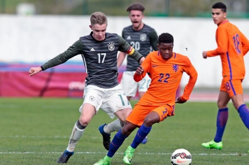 Manchester United transfer target Daishawn Redan to leave Ajax this summer