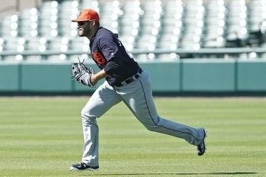 Tigers' J.D. Martinez out 3-4 weeks with foot sprain, Brad Ausmus says