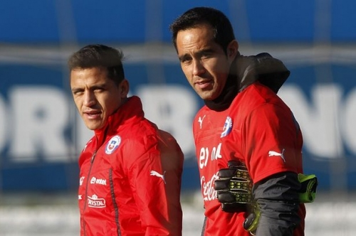 Claudio Bravo vs Alexis Sanchez 'clash' ahead of Man City against Arsenal
