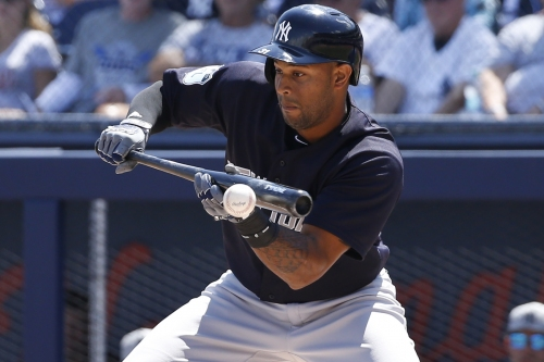 Aaron Hicks making Yankees' outfield decision difficult