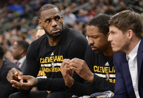 Can the Boston Celtics hold off LeBron James, Cleveland Cavaliers in East? Ty Lue says he may rest Cavs stars
