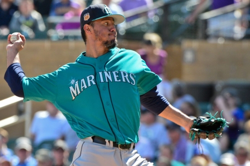 Mariners Fail to Turn Eddie Vedder's World to Blue