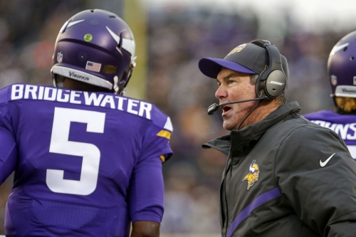 Teddy Bridgewater's rehab coming along with help from Mike Zimmer's tickles