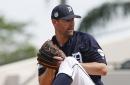 Tigers release Mike Pelfrey