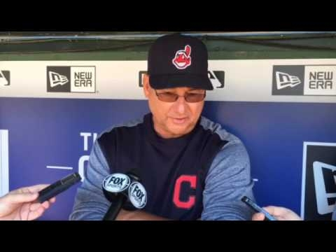Outfield in motion: Cleveland Indians' Brantley rests, Santana prepares for Arizona